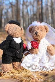 Эксперты: россияне охладели к Дню святого Валентина из-за отсутствия средств