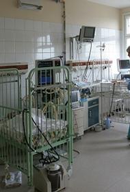 Жительницы Кургана посетовали, что не могут записать детей к лор-врачу. В поликлинике нет специалиста