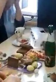 В детской больнице в Кабардино-Балкарии врачи вместо приема устроили посиделки с шампанским