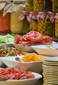 Диетологи перечислили блюда, подходящие для позднего ужина