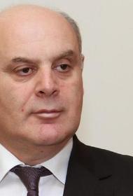 Врачи диагностировали у кандидата в президенты Абхазии Аслана Бжании пневмонию