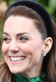 Герцогиня Кейт появилась на мероприятии в пальто тринадцатилетней давности