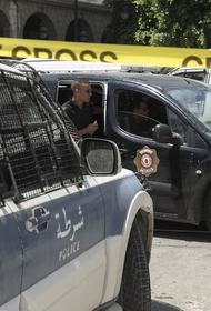 У американского посольства в Тунисе террорист-смертник устроил взрыв