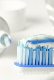 Почему зубные щетки нельзя хранить в ванной?