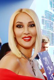 Кудрявцева показала фото в купальнике после операции