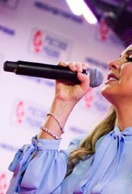 Певица МакSим вернулась домой спустя месяц лечения в клинике