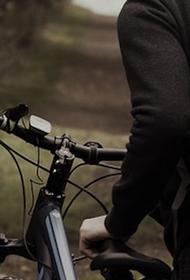 В Москве велосипедист догнал грабителя и вернул пострадавшей девушке украденные вещи