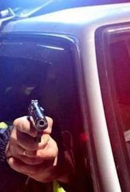 Нетрезвого лихача на «Ауди» полицейские смогли остановить лишь  выстрелами по колесам