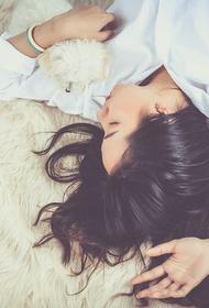 Врач заявил, что за последний век люди стали меньше спать