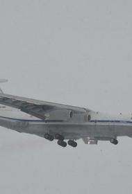 Самолет из Петербурга готовится  к вынужденной посадке  в Екатеринбурге