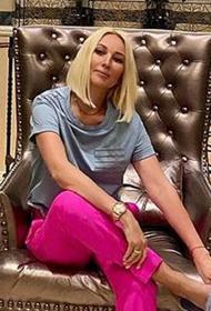 Лера Кудрявцева ударилась головой и попросила поклонников быть снисходительными, если она будет «тупить»