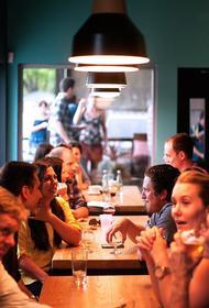 В столичных ресторанах сокращают количество столиков