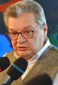 Состояние больного раком ведущего НТВ Александра Беляева резко ухудшилось
