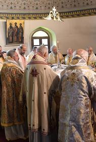 Вселенский патриарх приказал прекратить богослужения до конца марта