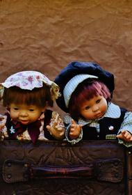 Рудова получила в подарок куклу и расплакалась от счастья