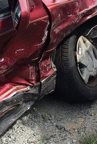 Под Саратовом случилось ДТП с участием микроавтобуса, есть пострадавшие