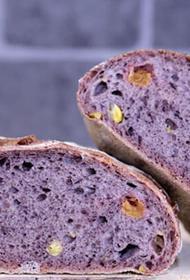 В Татарстане начали печь фиолетовый хлеб