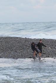 Тело одного из двоих унесённых в море в Сочи школьников нашли