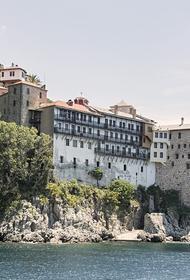 Еще у трех афонских монахов выявили коронавирус
