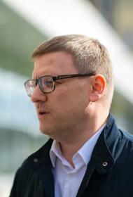 Алексей Текслер перевел зарплату южноуральцам, оказавшимся в трудной ситуации