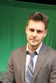 Актер Милош Бикович рассказал о ситуации с коронавирусом в Сербии: «Уже почти месяц я в изоляции. Все устали»