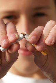 Врач объяснил, как курение влияет на течение коронавируса