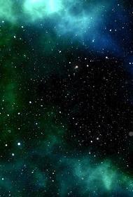 В Амурской области запечатлели более полусотни светящихся объектов в небе