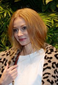 Ходченкова покорила поклонников в элегантном наряде дома: «Царевна в самоизоляции»