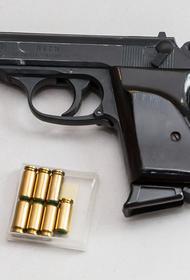 В Петербурге полиция начала розыск неизвестного, который ранил мужчину при стрельбе на рынке