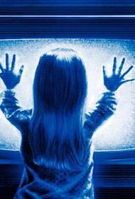 На четырехлетнюю девочку, оставленную под присмотр  больной бабушки, упала тумба с телевизором