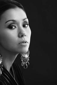 Певица Севара работает волонтером в Едином координационном центре Ташкента в период пандемии