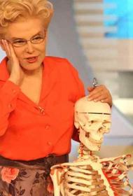 «Этот вирус - чудо чудесное», Елена Малышева объяснила, что назвала COVID-19 чудом потому, что умирают только старики