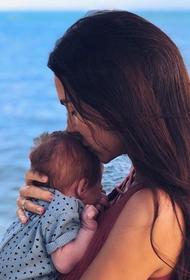 Оксана Самойлова отметила 2 месяца сына и показала подросшего малыша