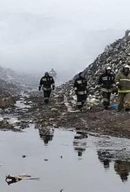 В Майкопе пожарные почти трое суток тушили пожар на мусорном полигоне