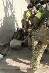 Соседи дома, где ночью ликвидировали трех боевиков, раскрыли подробности операции ФСБ