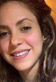 Певица Шакира передала в свой родной город в Колумбии маски и респираторы