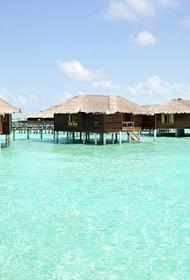Сотни туристов застряли на Мальдивах из-за вспышки COVID-19