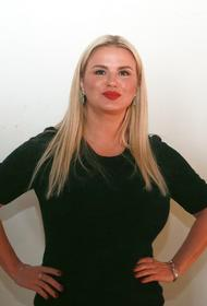 СМИ показали, как Анна Семенович изменилась за 20 лет