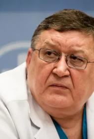 У директора НИИ Джанелидзе, который обвинял всех во вранье и рапортовал, что средств защиты хватает, диагностировали пневмонию