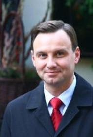 Выборы президента Польши отложены на неопределенный срок из-за коронавируса