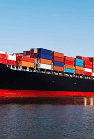 Моряки оказались в заложниках пандемии. На берег их нигде не выпускают