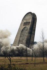 Отрицаем прошлое: снос монументов в знак памяти павшим на войне