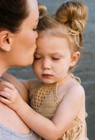 Семейные ценности в России: миллионы матерей-одиночек и задолженность по алиментам 152 млрд рублей