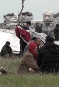 Тысячи граждан Средней Азии живут в палатках и не могут покинуть Россию