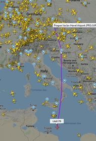 В воюющую Ливию прилетел подозрительный самолет