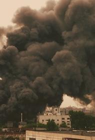 В поселке Битумное в Крыму  загорелись  штабели старых шпал, дым от которых  протянулся на километры
