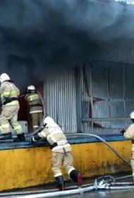 В Самаре на складе пластмассовых изделий после пожара рухнула крыша