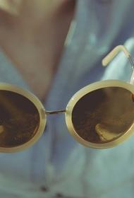 Офтальмолог рассказал, как не испортить глаза солнцезащитными очками