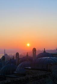 В Турции введен четырехдневный общенациональный комендантский час