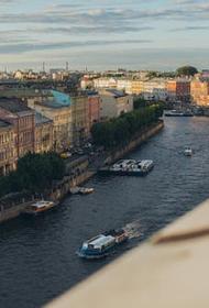 В центре Петербурга обрушились четыре балкона жилого дома на улице Кирочная